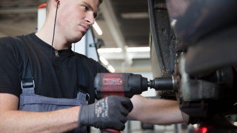 Afbeelding voor Blog: 5 dingen die u zelf kunt repareren aan uw auto