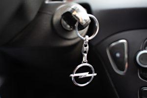 Een nieuwe auto kopen of een tweedehands aanschaffen? | Liewes Roden